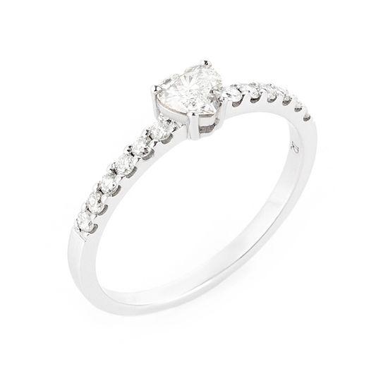 anel-ouro-branco-coracao-brilhantes