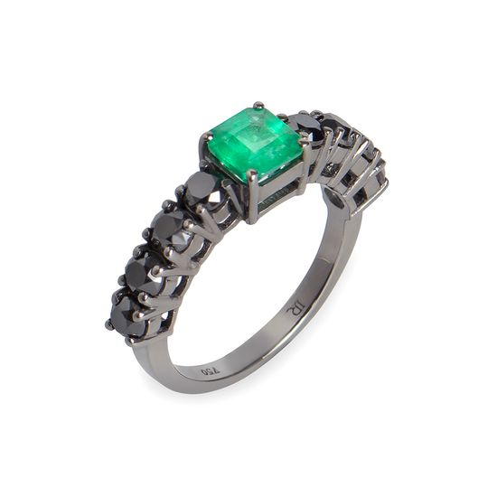 anel-esmeralda-diamante-negro-lateral