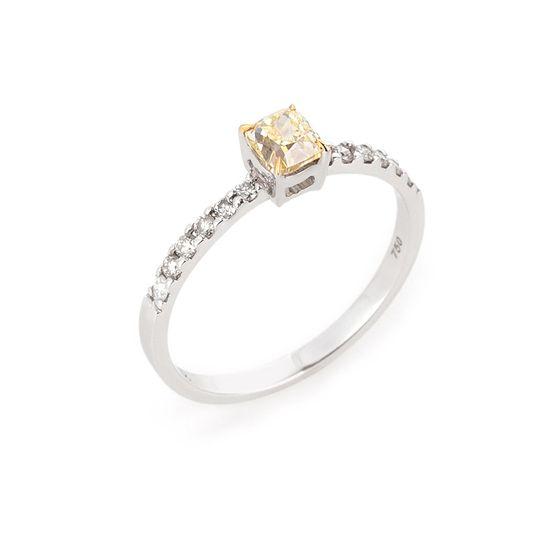 anel-ouro-branco-fancy-brilhantes
