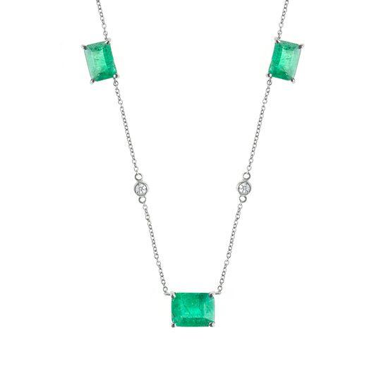 colar-mix-esmeraldas-brilhantes-detalhe